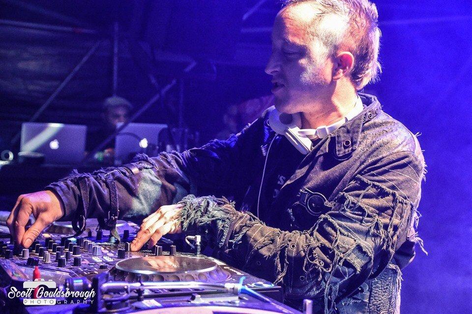 Freear DJ Set
